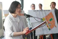 蔡總統視察橋頭園區 估年產值1800億