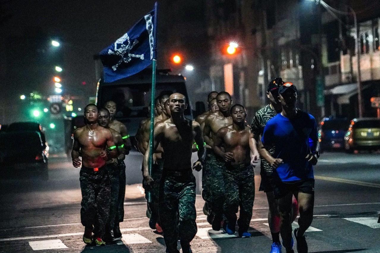 陸戰隊蛙人克難周照片 獲巴黎攝影大賽優選