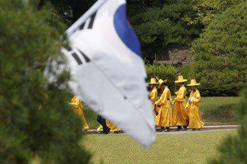 日本棒打南韓 民族主義衝擊全球科技供應鏈