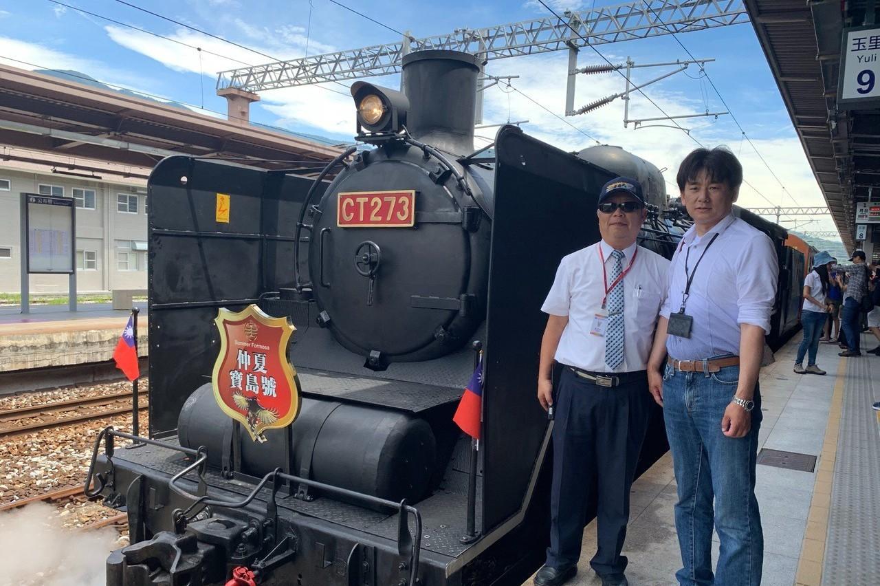仲夏寶島號徜徉花東縱谷 日本鐵道迷來台追火車