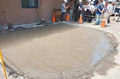 三重路面塌陷 疑汙水管損壞導致
