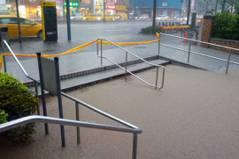 北市下午大暴雨 台北捷運4站出口周邊大積水