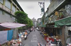疑似地震引起 中和一女遭鐵衣架壓到失去生命跡象