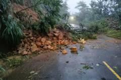 逢雨必坍被認地盤不穩固 屏縣「最難一條路」