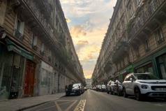 路人借根菸就搶走千萬名錶 日本遊客巴黎驚魂