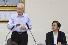 國民黨中常委建議:吳敦義帶所有中常委向郭台銘請益