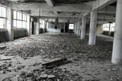 基隆富貴市場4樓鋼筋裸露、水泥崩落 市府將評估安全性