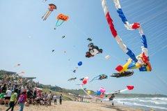 塔巴颱風挾強風大浪 北海岸國際風箏節延1天改22日舉行
