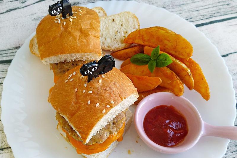 【食譜】起司黑胡椒豬肉堡(自製漢堡肉餅)