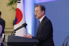 南韓民調:文在寅支持率 跌至44.4%