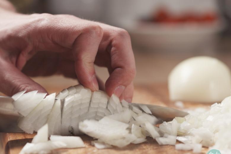 【食力】洋蔥切過後小心久放變苦!苦味的來源其實是因為這個化合物