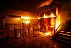 拉美動盪蔓延 市井小民逃到智利又遇暴亂困機場