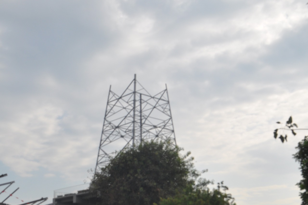 台南民眾反對建高壓電塔 台電:暫緩進場