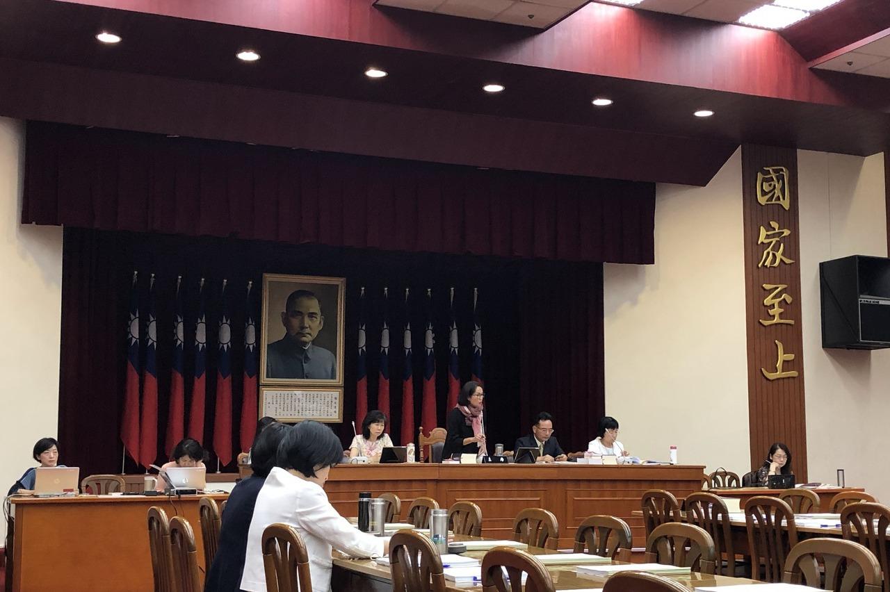 文化部部長鄭麗君:預算擬再增1% 共增5.8%