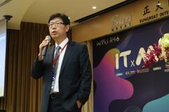 鴻海劉揚偉:企業應推數位轉型 學生要敢於夢想遠大