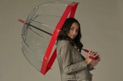 雨天也要時尚!英皇室雨傘品牌攜Lulu Guinness登台