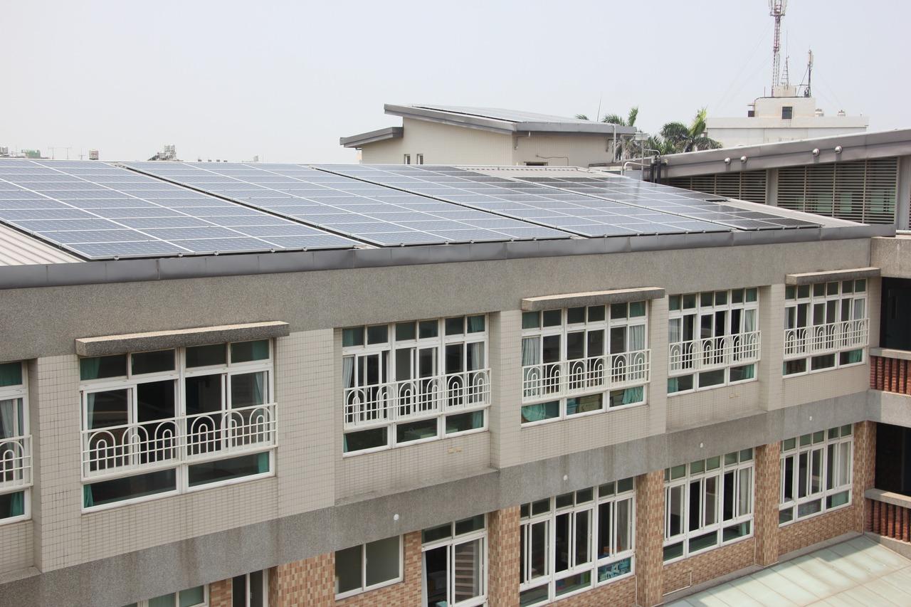 躉售電價過低?彰化縣百座太陽光電風雨球場蓋不成了
