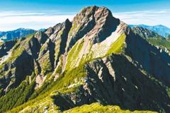 玉山主群峰線109年起取消2月「靜山」 開放雪季入園