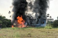 潭子區民宅清晨火警 濃煙直竄天際全面燃燒
