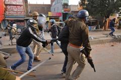 印度群眾抗議新法反穆斯林 警察開火至少兩死