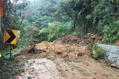 搶修難度高!陽明山百拉卡公路崩塌 恐至明年1月底搶通