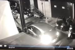 北市精品店遭持信號彈縱火 警方掌握7車15嫌全力追緝中