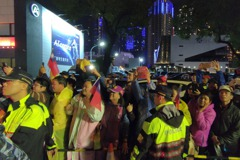 影/韓國瑜到場 民眾高喊「總統好」擁戴式歡迎