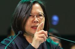 「沒有對手那麼多資源」 蔡英文臉書諷韓國瑜砸近億下廣告