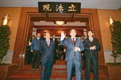 王金平告別國會 柯建銘:我來繼承「喬王」
