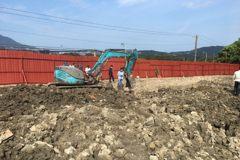 關渡平原遭非法棄置廢棄物 環保局交由檢警偵辦