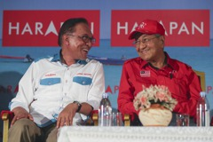 馬來西亞政局詭譎多變 希盟改推馬哈地任首相