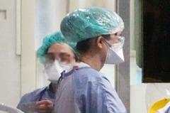 肺炎患者怨「要隔離多久」 醫護嘆:將心比心吧!