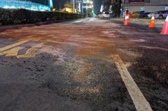 肥料貨車液體外洩 導致屏東路面臭氣熏天