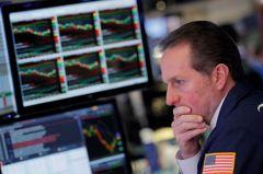 疫情挫股債 專家:現金、黃金抓好
