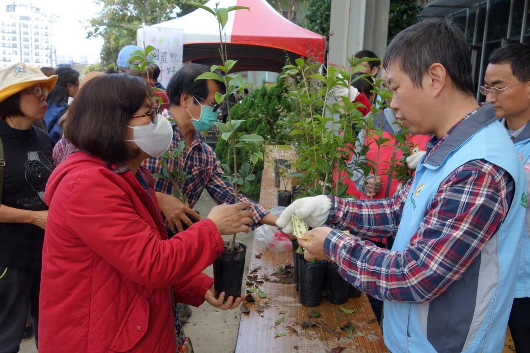 植樹節捐發票!中部4縣市送1萬3200株苗 每人可領5株