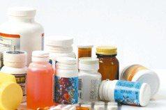 怕囤藥亂市場 食藥署:進貨逾一成須報准