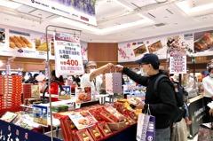 架隔板用餐、頻消毒 SOGO日本展氣氛較往年大不同