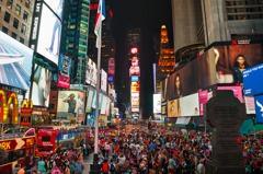 這不是電影場景!紐約時代廣場如空城 電視牆依然閃爍顯詭異