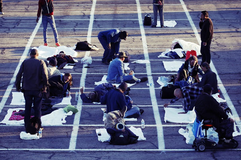 街友過夜停車格:美國拉斯維加斯賭命的「街頭防疫」?