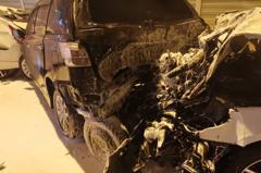 BMW追撞重機車和轎車1死6傷家屬趕醫院中