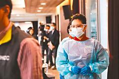 「最毒班機」11人確診新冠肺炎 明起為期七天全機採檢