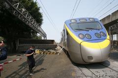 台鐵昨高雄事故損失3.2億元將求償 上午全線恢復通車