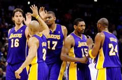 NBA/費雪談10年湖人封王 盼外界多給亞泰斯特掌聲