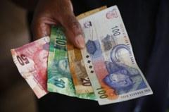 南非信評被打入更深垃圾級 南非幣今年來重貶23%