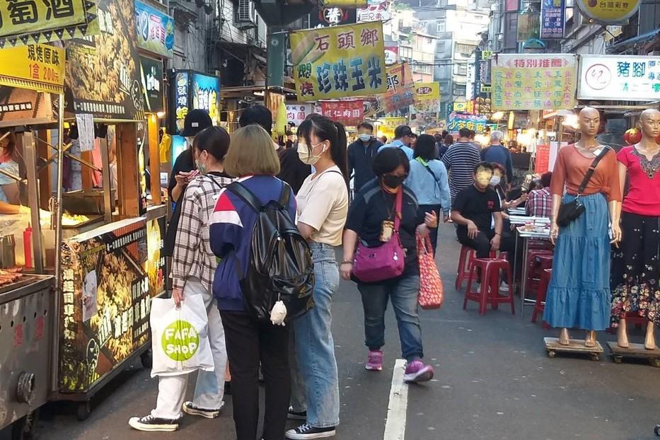 迎接連假商機 林右昌:基隆廟口夜市遊客上修到2500人