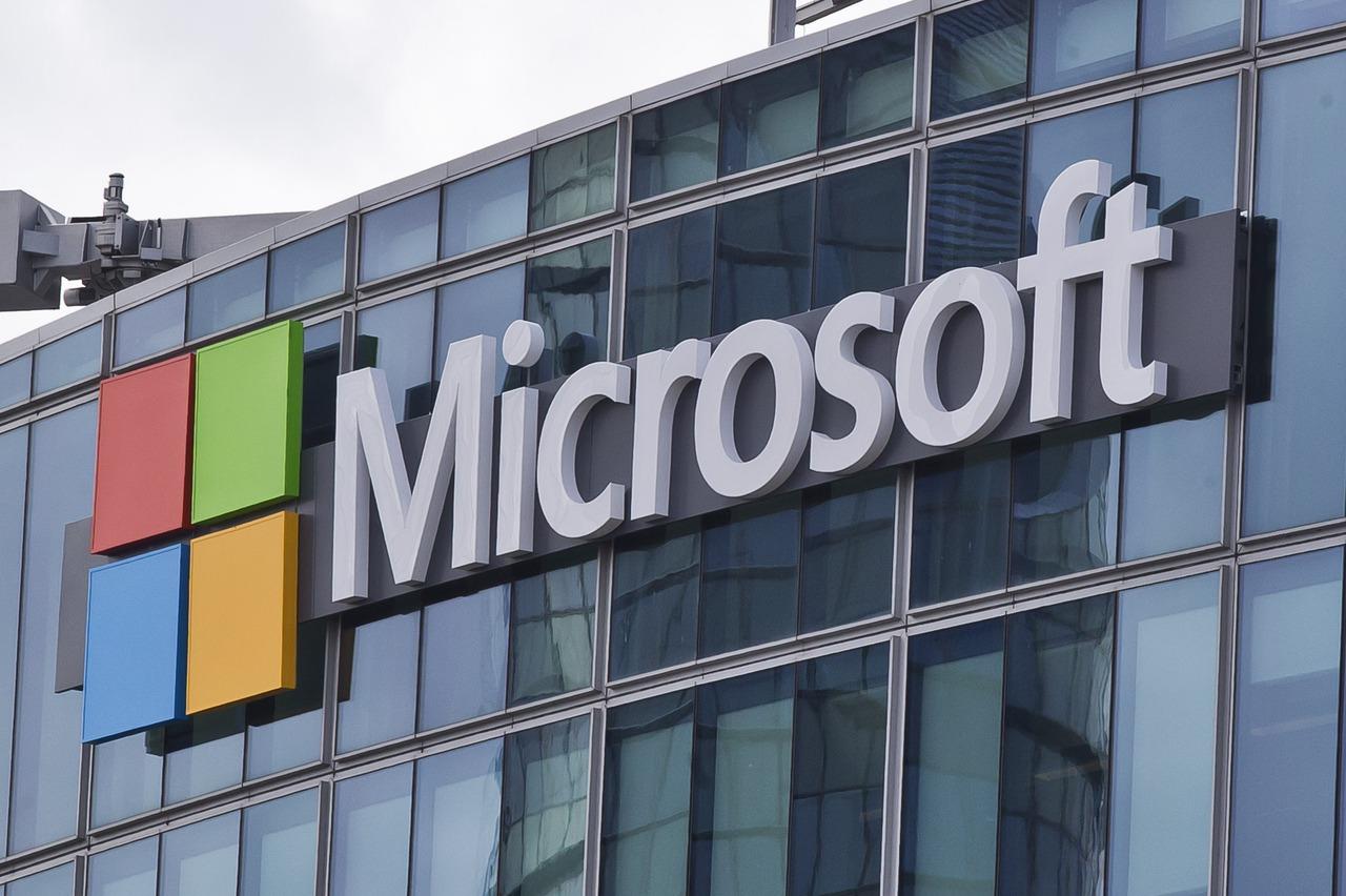 微軟新品連發 供應鏈樂透