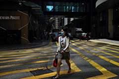 新冠肺炎影響大 香港餐飲總收益按年下跌31.2%