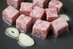 屢試不爽!夜市的骰子牛肉 為何剛開市的時候最好吃?