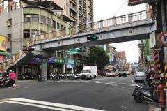 板橋國光陸橋最後一瞥 明、後天深夜拆除