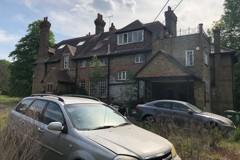 希臘裔房地產富翁一家3年前離奇消失 華服名車棄置豪宅中